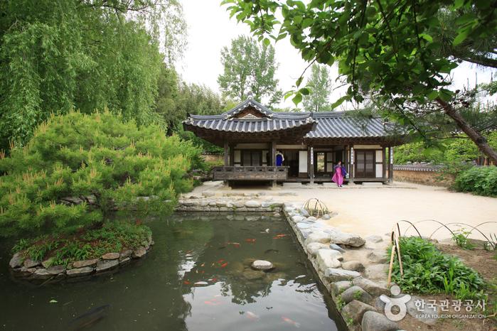 Casa del Aristócrata Choi (최참판댁)32