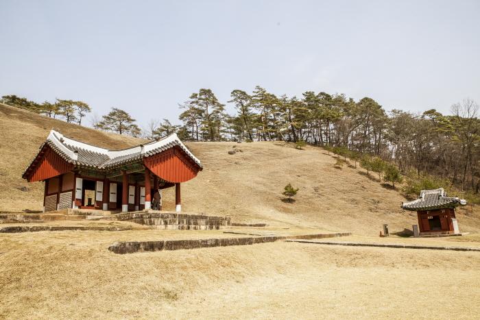 비운의 임금 단종이 묻힌 영월 장릉
