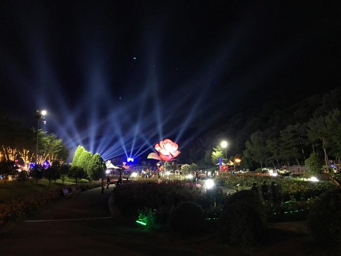 Rosenfestival im Ulsan Grand Park (울산대공원 장미축제)