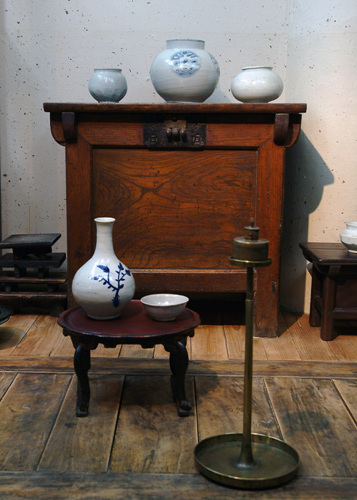 Korean Deung-Jan Museum (한국등잔박물관)