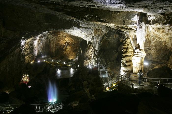Grotte de Hwaam (화암동굴)