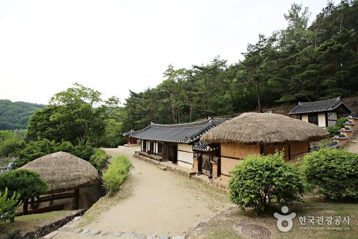 Фольклорная деревня в Андоне и озеро Андонхо (안동민속촌과 안동호)3