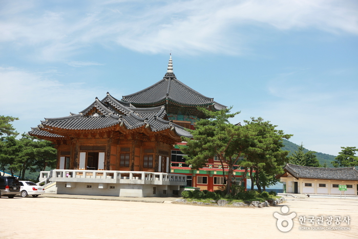 Korea Traditional Architecture Museum (한국고건축박물관)