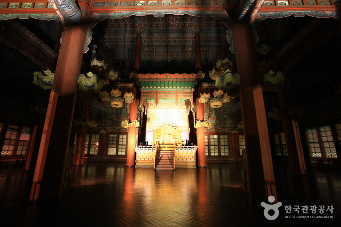 Moonlight Tour at Changdeokgung Palace (창덕궁 달빛기행)