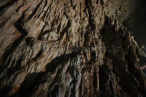 Hwanseongul Cave (환선굴)