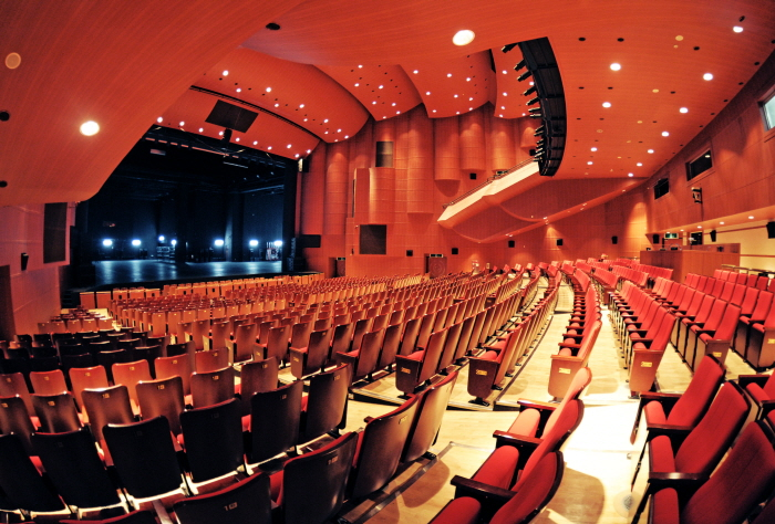 Goyang Oulim Nuri Arts Center (고양 어울림누리)