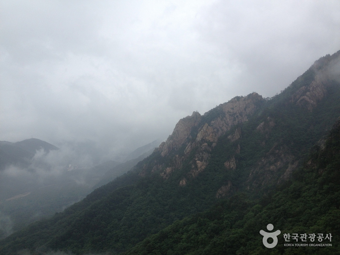 Daecheongbong Peak (설악 대청봉)