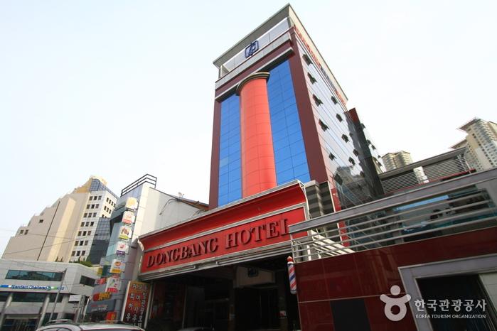 동래 동방관광호텔에서는 객실 안에서 온천욕을 즐길 수 있다.