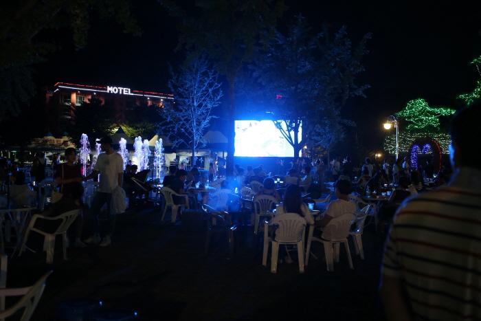 洪川江月光音乐啤酒庆典2018 <br />홍천강 별빛음악 맥주축제 2018