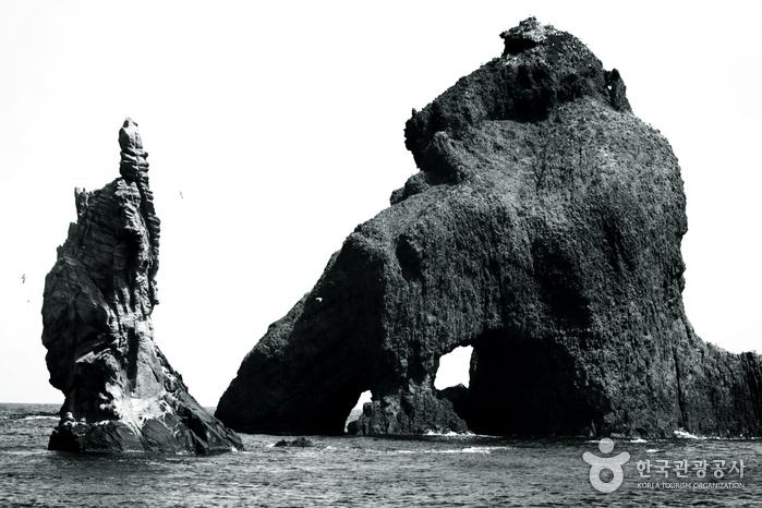 Dokdo Island (독도)