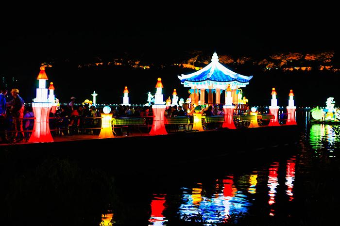 Фестиваль фонарей на реке Намган в Чинчжу (진주 남강유등축제)
