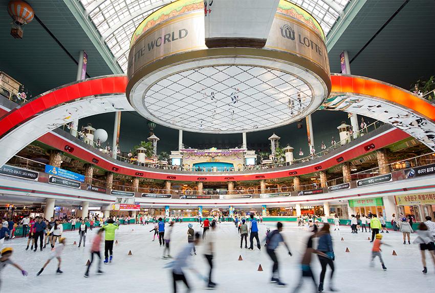 Pista de patinaje (cortesía de Lotte World)