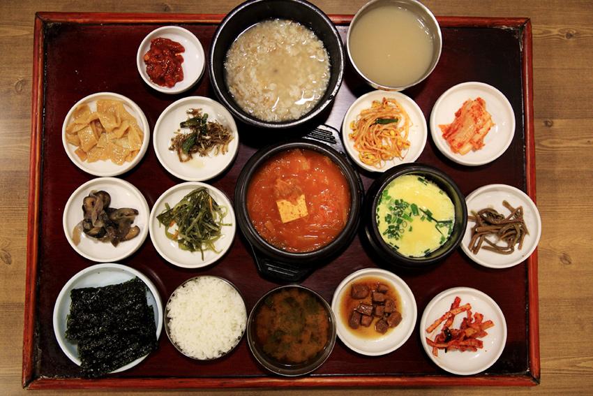 Menú coreano de Cheongdam Gol