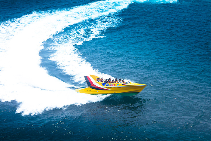 Jetboat (aut photo du haut : Pacific Land)