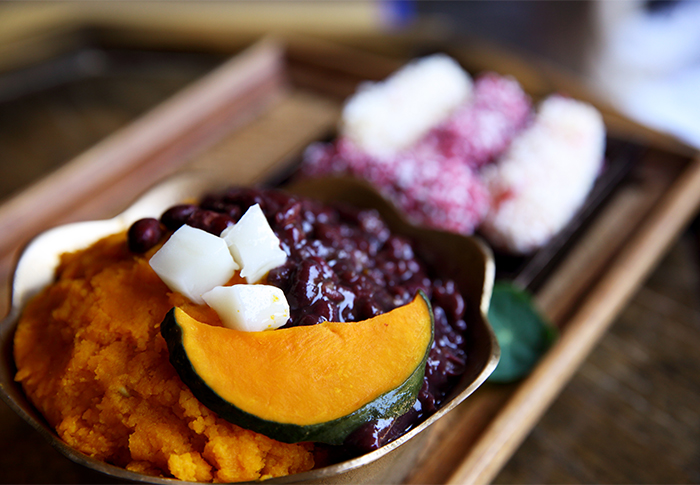 Sweet pumpkin bingsu (top) & Hanbang bingsu (bottom left) & Purple sweet potato bingsu (bottom right; credit: Café Bora)