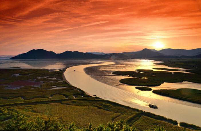 Crépuscule sur la baie de Suncheon