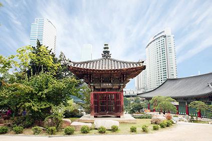 Пейзажи буддийского храма Понынса