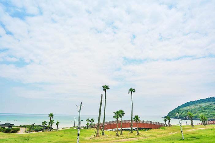 Hamdoek Seoubong Beach