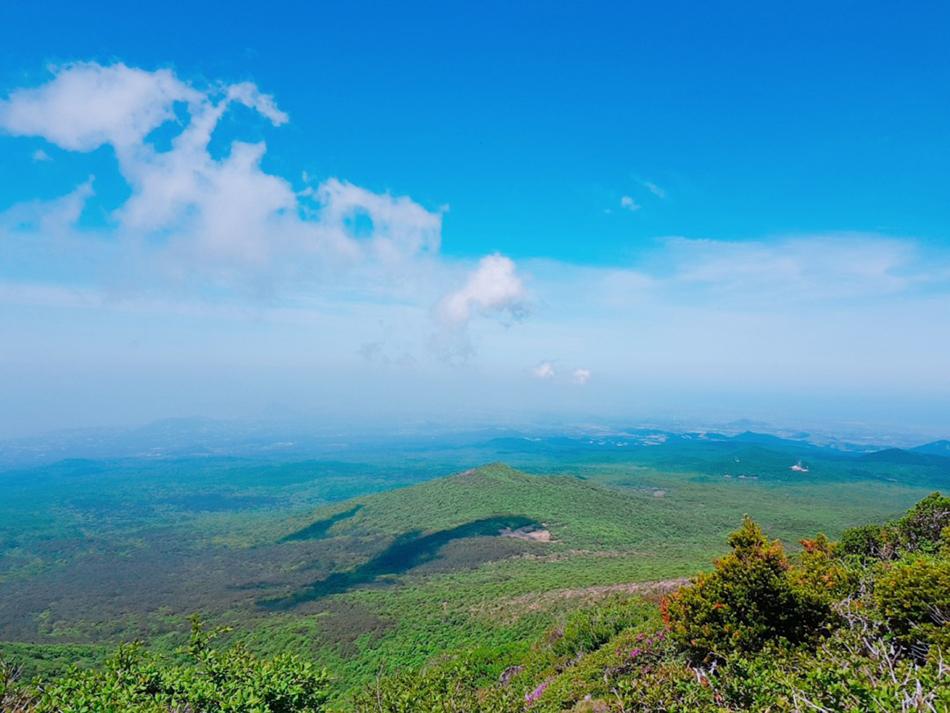 漢拏山霊室コースから見える景色