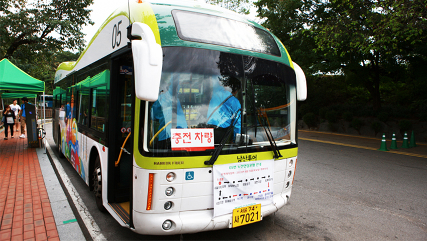 Рейсовый автобус горы Намсан