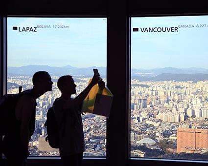 Смотровая площадка на 5-м этаже башни (Источник: Сеульская башня Намсан)