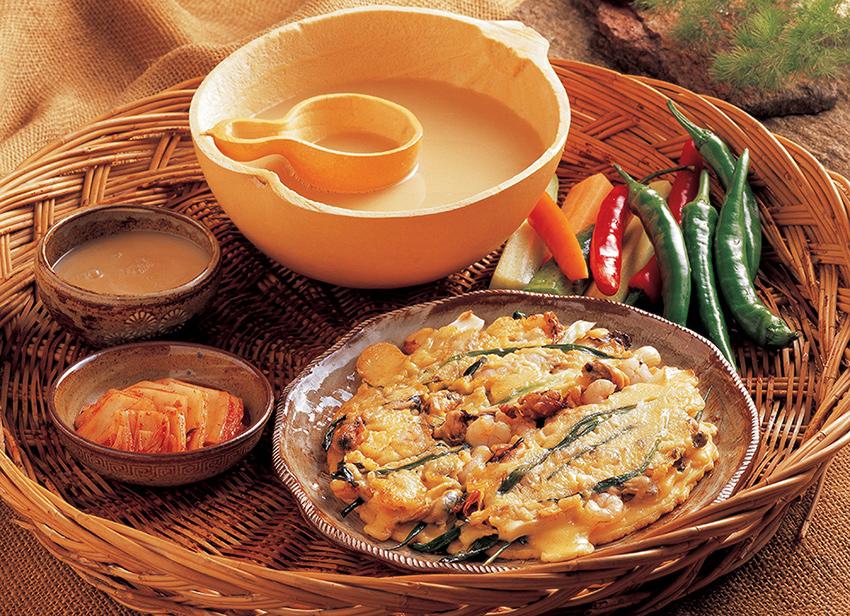 Pajeon (Pfannkuchen mit Meeresfrüchten)