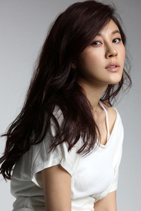 Kim Ha-neul (김하늘)