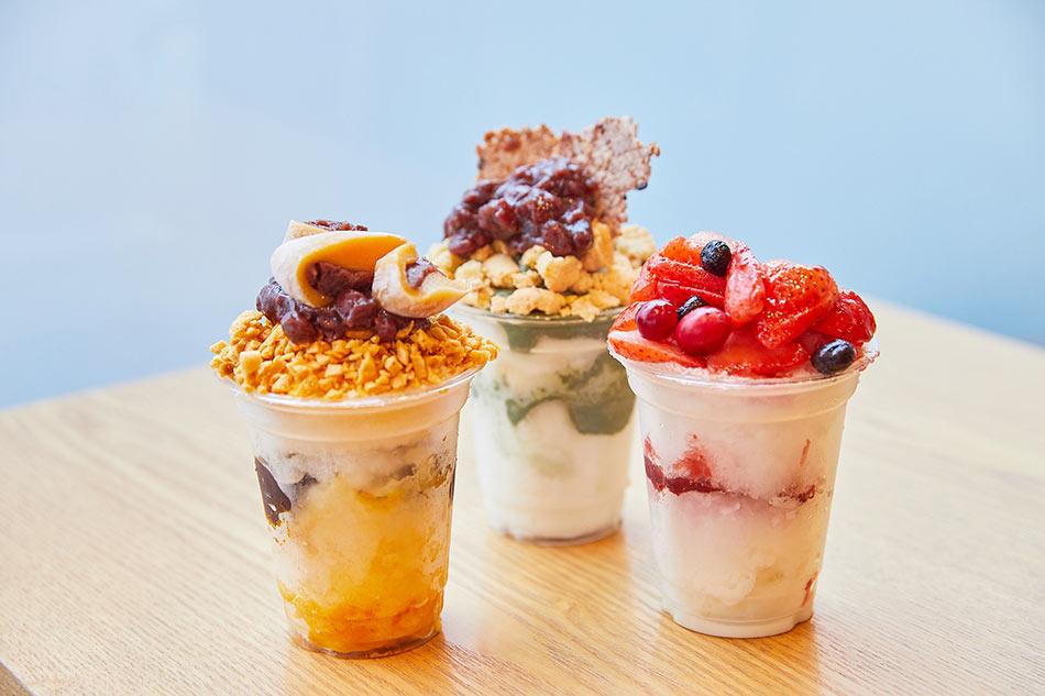 Ogada cup bingsu (top, left), Ediya single-serving bingsu (right)