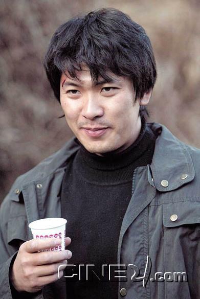 Kim Sang-kyung (김상경)