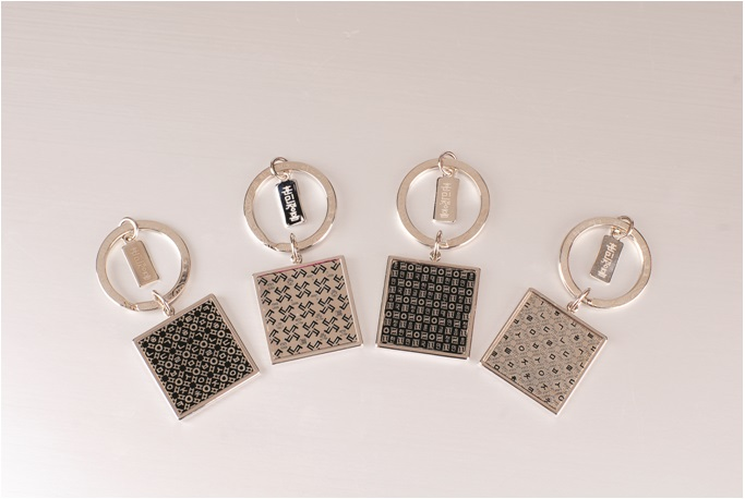 Metal Craft Key Holder (with Hangeul design)