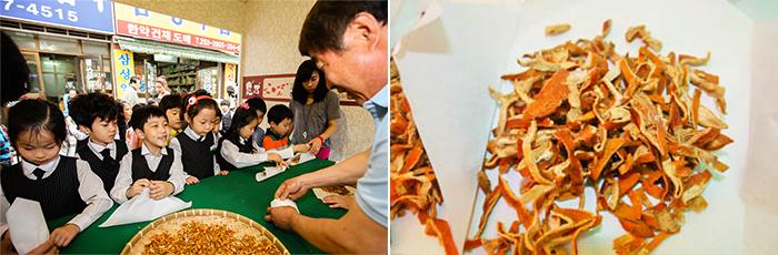 韓方薬包み体験(写真提供:薬令市保存委員会)