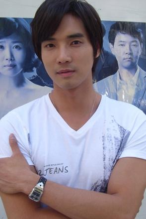 Kang Ji-sub (강지섭)