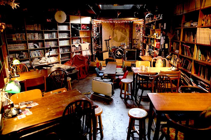 燕子茶坊的地下室表演空間