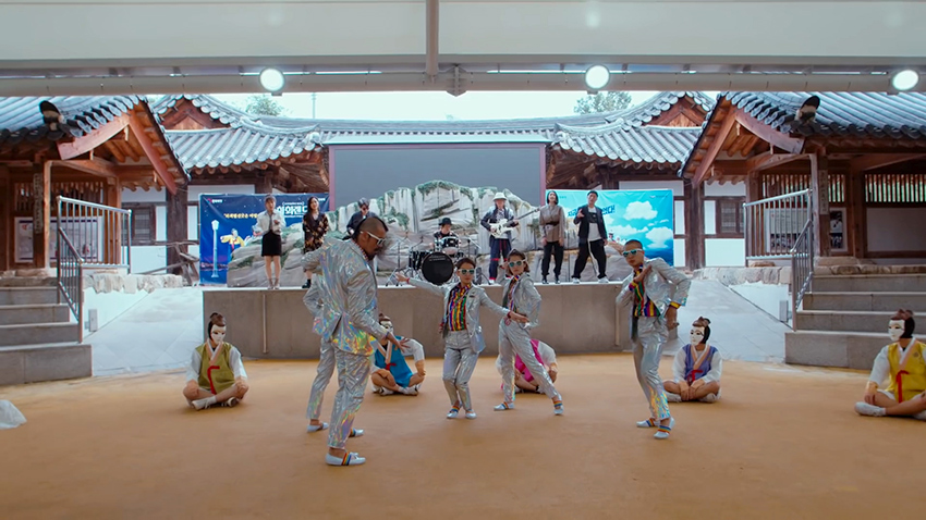 "Escenas de la Aldea Hahoe, que sale en el video de Andong de ""<em>Feel the Rhythm of KOREA</em>"""