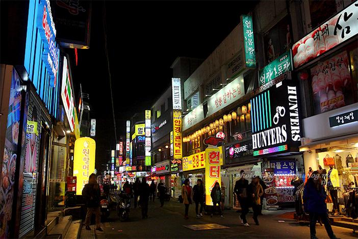 Rue de la gastronomie à Konkuk (aut : Ville de Séoul)