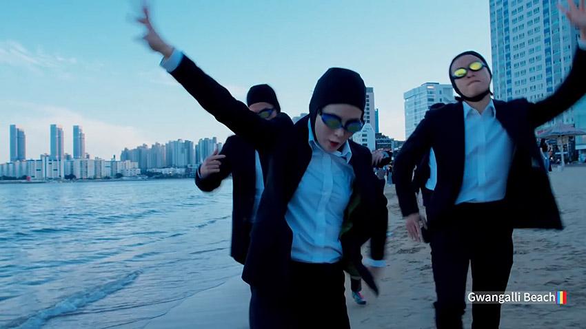 """Escenas de la playa Gwangalli en el video de Busan de """"Feel the Rhythm of KOREA"""""""