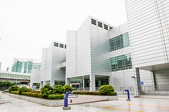 Photo: Exterior views of Busan Museum of Art