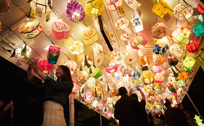 Exhibition of traditional lanterns (Credit: Yeon Deung Hoe)