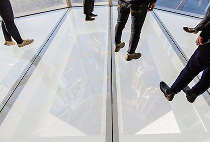 Sky Deck (abajo, cortesía: Lotte Corporation)