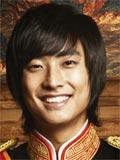 Актёры- Чу Чи Хун