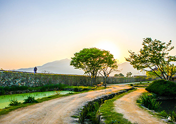 【 Photo: Sunset at Naganeupseong Folk Village 】