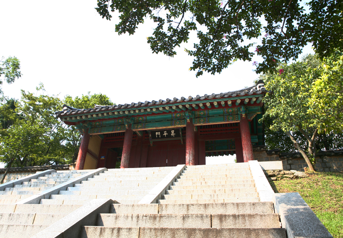 Seungpyeongmun Gate, the main gate of Goryeo Palace