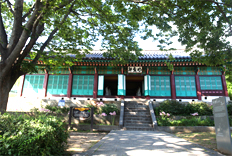 Myeongwiheon (built in the Joseon era) on Goryeo Palace Site