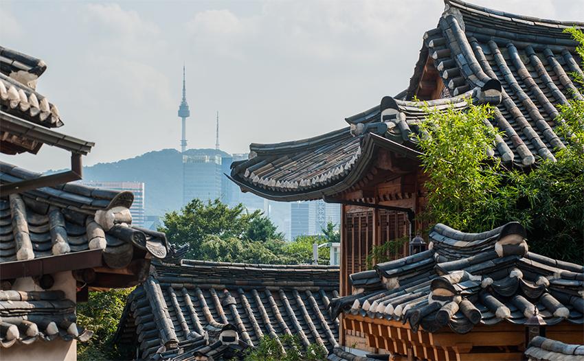 Vistas de la Aldea Tradicional Bukchon y el área de Samcheong-dong.