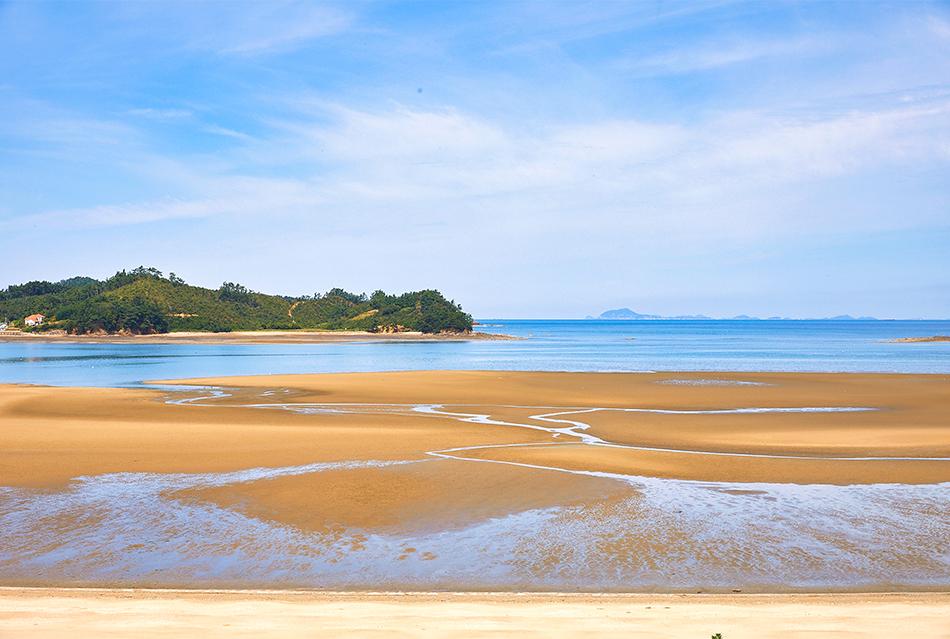 Mudflat on the western coast of Korea