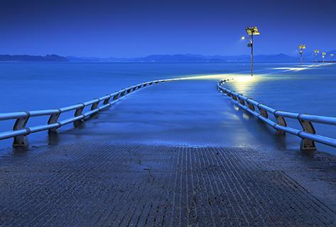 Submerged bridge