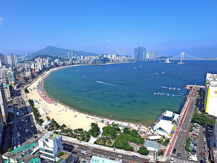 Birds-eye view of Gwangalli Beach (Credit: Suyeong-gu Office)