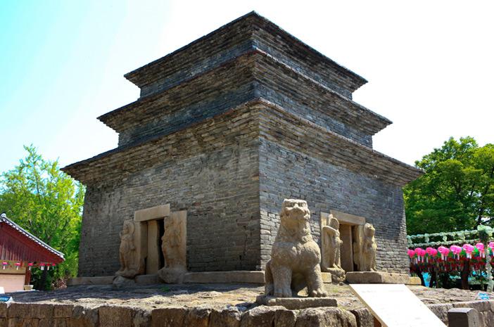 芬皇寺模砖石塔