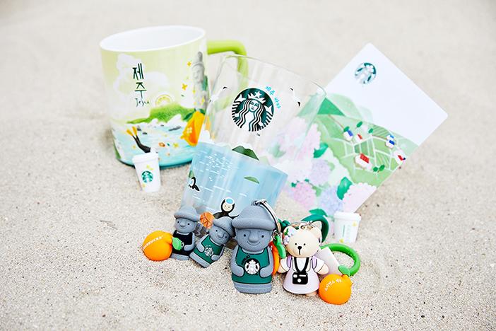 Merchandise-Artikel bei Starbucks Jeju