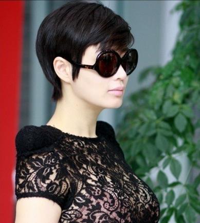 Kim Hye-soo (김혜수)